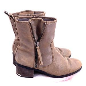 Clark's brown ankle boots size 11